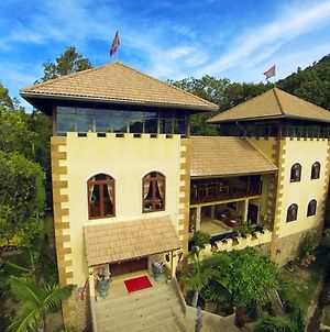 Ever Dreamed Of Staying In A 3 Bedroom Castle? photos Exterior