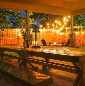 Big Tex House On Urban Side - Large Yard/Fire Pit photos Exterior