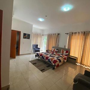 Luxurious 3 Bedroom Apartment Airport Residential photos Exterior