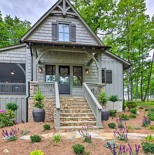 Charming Craftsman With Porch And Community Perks photos Exterior