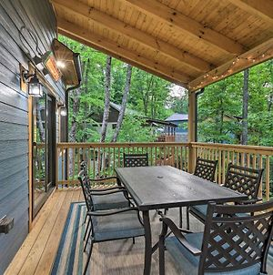 Sprawling Blowing Rock Escape With Theater And Hot Tub photos Exterior