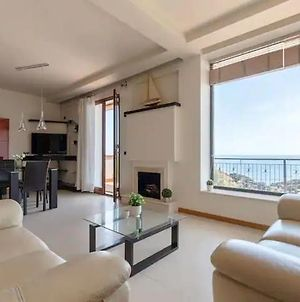 Luxury Apartment On The Sea With Best View photos Exterior