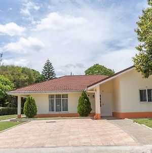 Cozy And Warm 3-Bed Bungalow In Athi River photos Exterior