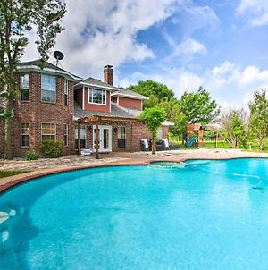 Family-Friendly Mckinney Home With Patio And Yard photos Exterior