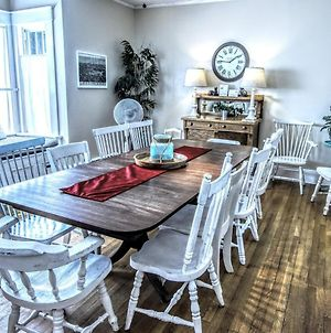 14 Victorian Home - 1St Floor Only 2-4 People Sun-Thurs Only - 5 Min Walk To Harbor Free Bikes, Kieyaks, Wifi, Firewood This Cottage photos Exterior