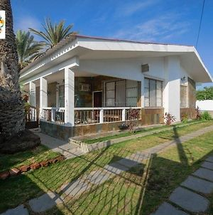Spectacular 4 Bedroom House. With Pool photos Exterior