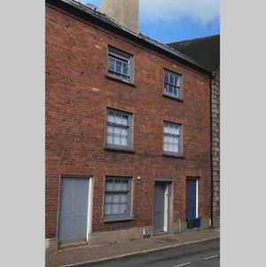 Grade II Monmouth 4 Bedroom Townhouse In The Heart Of Monmouth photos Exterior