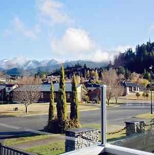 Luxury On Rutherford - Hanmer Springs Holiday Home photos Exterior