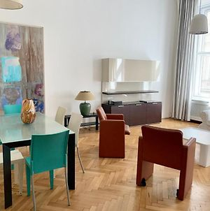 Charming Flat Close To Danube And 4-Seasons Hotel photos Exterior