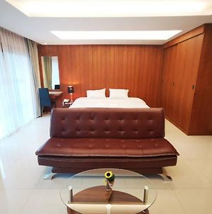 Private 111 Square Meters 2 Bedrooms City Chiangmai photos Exterior