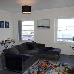 Luxury 2 Bed Bedroom At The Crescent Flat H photos Exterior