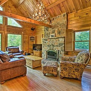 Deluxe Family Cabin With Game Room And Fire Pit! photos Exterior