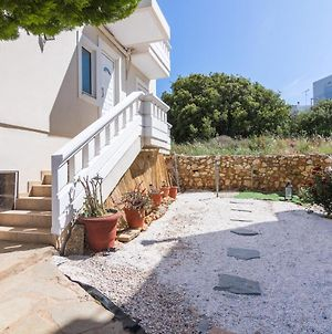 Lovely Maisonette House With 2 Bedrooms photos Exterior