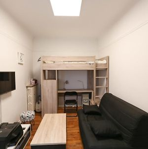 Beautiful Studio In The Heart Of The 11Th In Paris photos Exterior