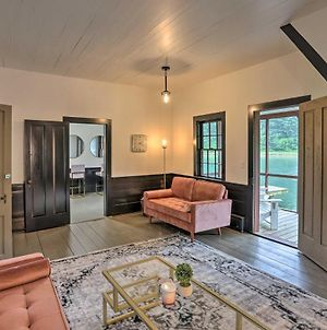 Quaint Winesburg Cottage With Porch And Pond! photos Exterior