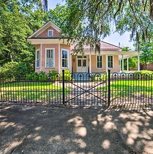Authentic Colonial Home Near Downtown Selma! photos Exterior