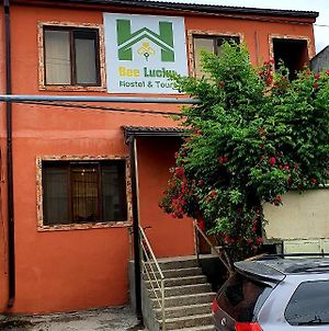 Bee Lucky Hostel And Tours photos Exterior