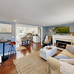 43Eltonr Exceptional Vacation Home In West Yarmouth Home photos Exterior