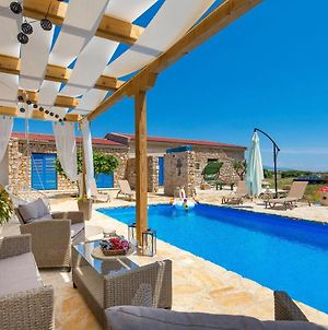 Stunning Home In Kosljun With Outdoor Swimming Pool, Wifi And 3 Bedrooms photos Exterior