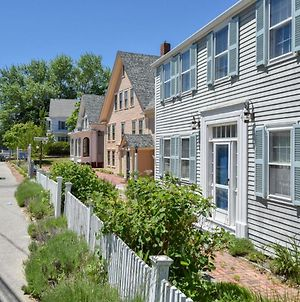 342 Downtown Wellfleet Location Spacious Home With Private Yard Washer And Dryer Dog Friendly photos Exterior