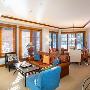 New Listing In The Heart Of The Village At Northstar! Iron Horse South 208 photos Exterior