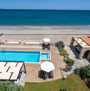 Beachfront Villa Turquoise With Private Pool, Bbq And Ping Pong Table photos Exterior
