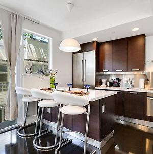 2 Bed/2 Bath Townhouse / Rooftop In South Beach photos Exterior