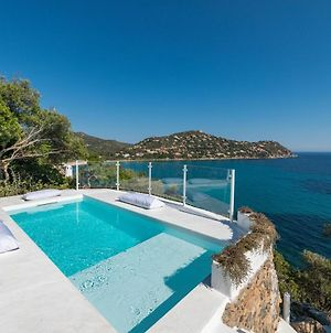 Seafront Villa With Private Pool photos Exterior