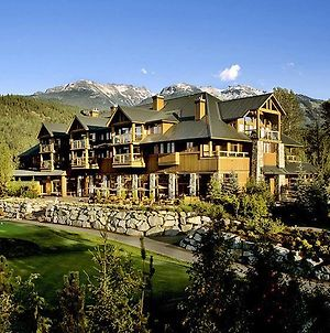 Beautiful 2 Bedroom Overlooking Whistler'S Green Lake And Mountains! photos Exterior