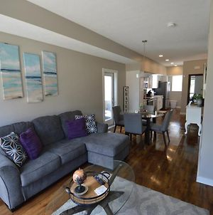 Beautiful Downtown Cleveland Townhome With Private Parking. photos Exterior