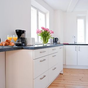Cozy 2-Bedroom Apartment In The Building From 1710 In The Center Of Copenhagen photos Exterior
