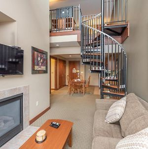 A311 - One Bedroom King Suite With Loft And Lake View! photos Exterior