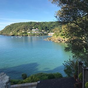Chic 2 Bed Apartment With Parking In Salcombe photos Exterior
