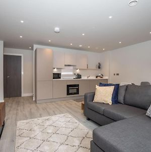 Pass The Keys Superb Central 4 Sleeper Apartment With Parking photos Exterior