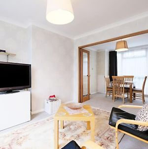 Pass The Keys - Swiss Cottage Apartment Close To Everything! photos Exterior