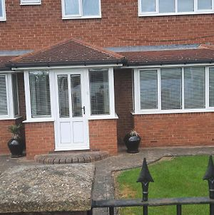 Impeccable 5-Bed House In Stockton-On-Tees photos Exterior