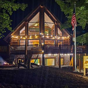 Shanty Creek Slopeside Ski Home Hot Tub And Fire Pit photos Exterior