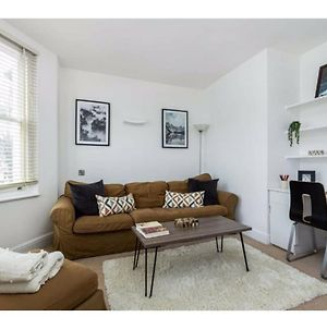 Pass The Keys Lovely 2Bedroom, 2Bathroom Flat With Roof Terrace In Trendy Fulham photos Exterior