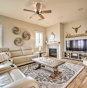Stylish Goodyear Oasis With Game Room And Pool! photos Exterior