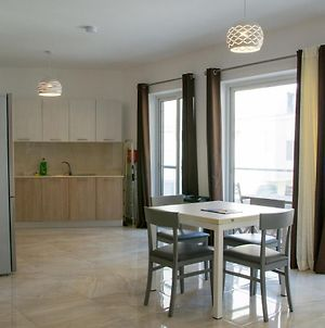 Bright And Spacious 2 Bedrooms Close To Sea Front Nzam1-1 photos Exterior