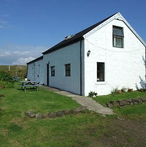 Lovely 1-Bed Cottage In Isle Of Mull photos Exterior