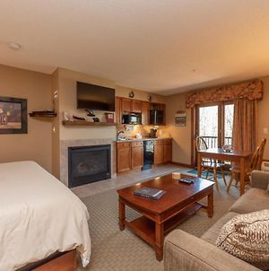 A213 - Studio Suite With Lake View, Sleeps 4, Cozy Fireplace! photos Exterior