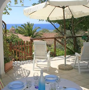 Villa Overlooking The Sea At 100 Meters From The Beach. Internet Wifi. Geremeas. photos Exterior