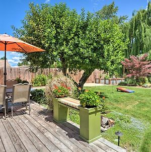 Central Medford Family Retreat With Large Yard! photos Exterior