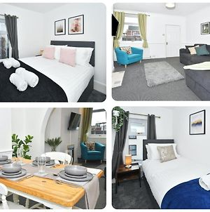 Oxford House In May Bank, 3 Bedrooms, Sofa Bed And Dining Room! Sleeps 7 photos Exterior