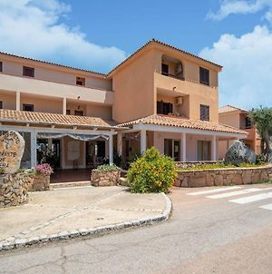 Attractive Holiday Home In Marinella With Balcony photos Exterior
