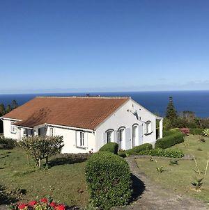 House With 2 Bedrooms In Caveira Das Flores Azores With Enclosed Garden And Wifi 7 Km From The Beach photos Exterior