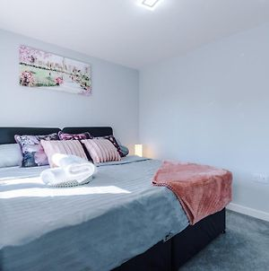 Vidale Court, 3 Bedroom House With River Irwell View, Sleeps 6 photos Exterior