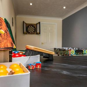 Amazing Hot Tub House With Games Room photos Exterior