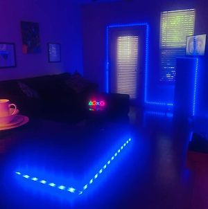 The Ultimate Gamer Led Experience Apartment photos Exterior